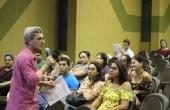 Roberto Figueiredo, coordenador do setor de Cultura e Arte, passou orientação aos acadêmicos