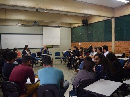 Assuntos foram discutidos por acadêmicos e especialistas em roda de conversa