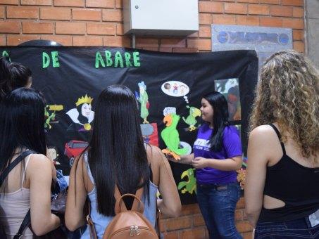 Acadêmicos de Letras e Pedagogia desenvolveram atividades com outros universitários