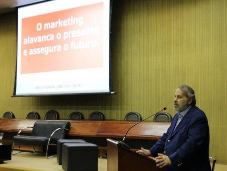 Rafael Sampaio ministrou palestra no anfiteatro do bloco A