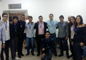 Equipe do projeto Fórmula Universitária recebe homenagem