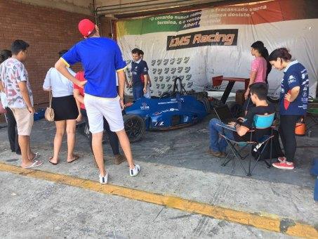 Equipe da Fórmula Universitária da UCDB em treino no Autódromo Internacional de Campo Grande