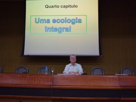Frei Nilo Agostini foi um dos palestrantes da Semana Teológica