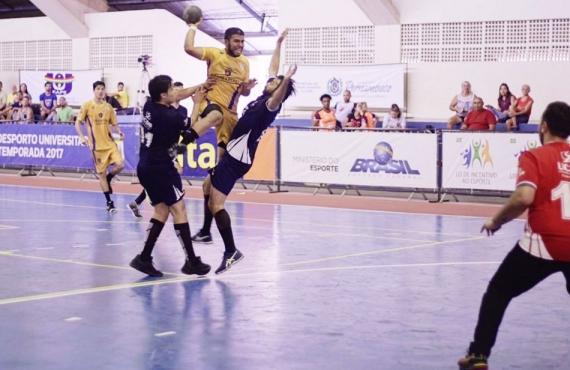 Disputa entre UCDB (MS) e Uninassau (PE) foi realizada em Recife (foto: CBDU)
