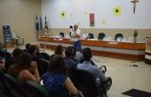 Escritor e músico, Fernando D'Andréa, conversou com os acadêmicos no anfiteatro da biblioteca