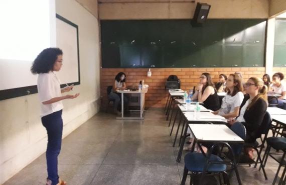 Natali Camposano Calças defendeu dissertação no bloco Biossaúde
