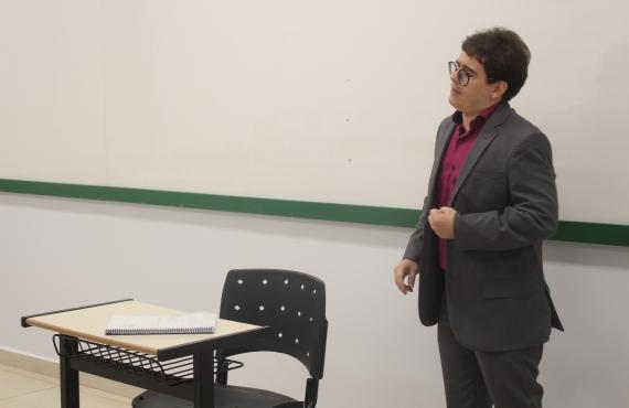 Murilo Araújo Martins defendeu dissertação em uma das salas de aula do bloco D