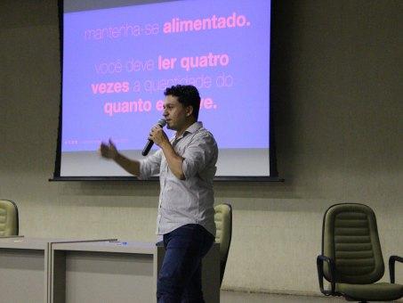 """Publicitário Ricardo """"Dona"""" Martin ministrou palestra durante o Mutirão Criativo"""