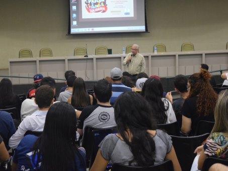 Superintendente do Iel palestrou para os alunos de Administração